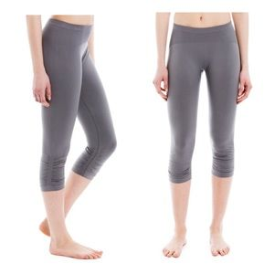 LOLE Gray Storm Seamless Ruched Capris Leggings